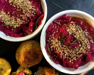 Rote Beete Hummus - Low Carb Rezept