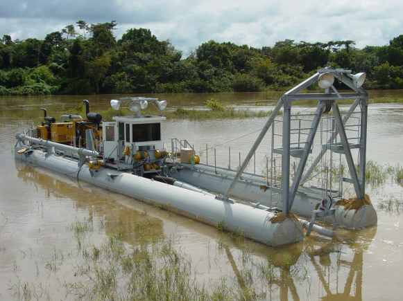 "10"" E-Series dredge in Africa"