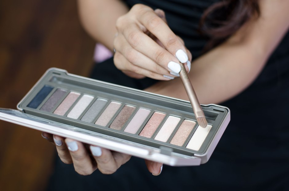 Urban Decay Naked 2 Eyeshadow pallette