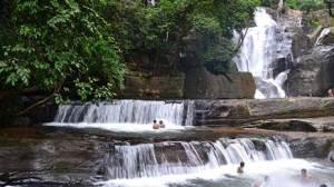 Bona Waterfalls