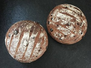 Date and rye bread