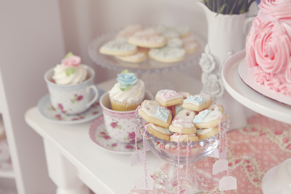 perfect shabby chic tea party baby shower shabby chic tea. Black Bedroom Furniture Sets. Home Design Ideas