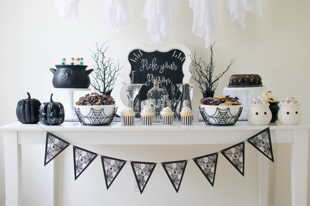 Ghosthly Halloween Party Ideas