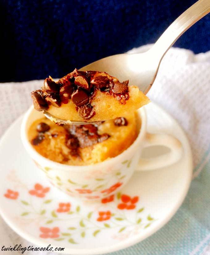 2-minute-chocolate-chip-mug-cake-recipe