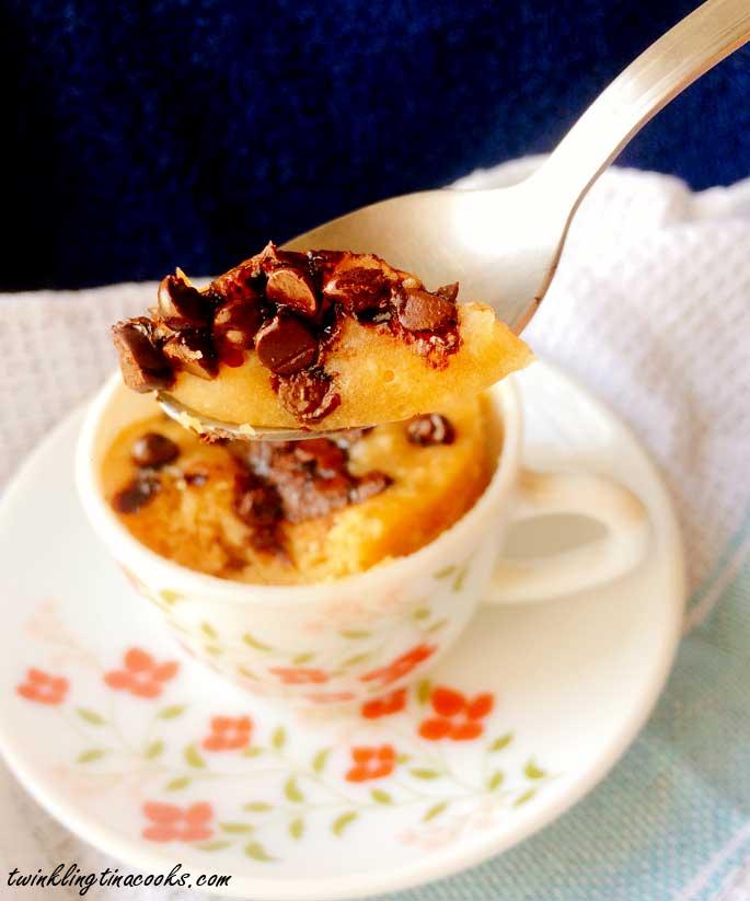 2-minute-chocolate-chip-mug-cake-recipe