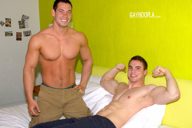 Muscular Ryan Winter drills jock Zane Penn! (GayHoopla)