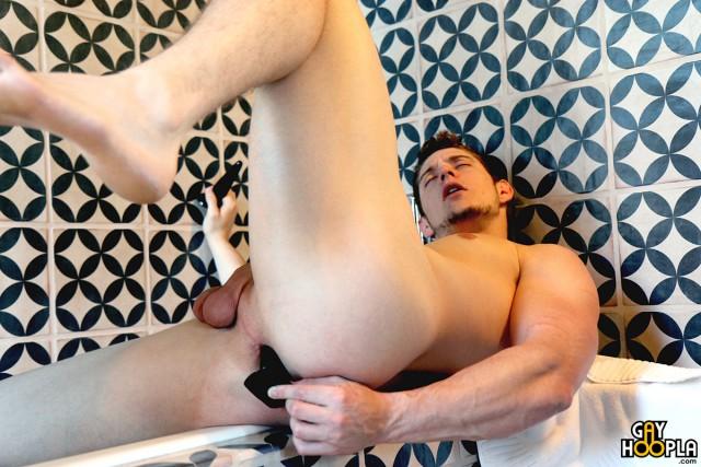 MyG_GayHoopla_Adam-McBride_0020