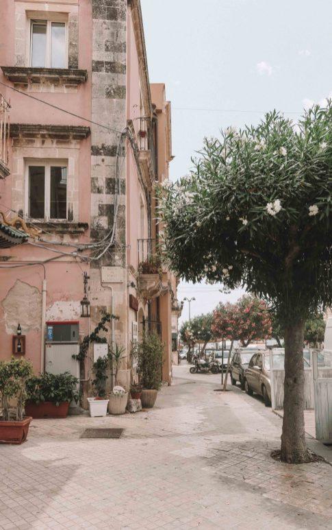 day trip from taormina to syracuse