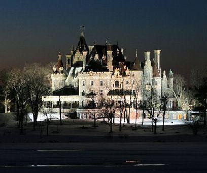 boldt_castle_at_night.jpg