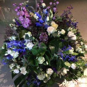 rouwboeket paars