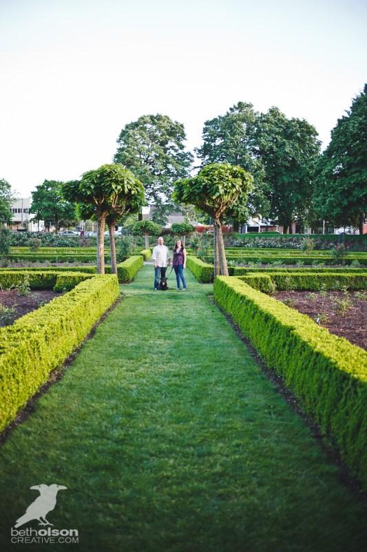 Ashley-Michael-Engagement-Peninsula-Park-Portland-BethOlsonCreative-017