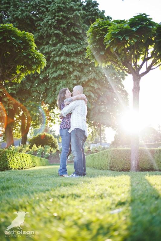Ashley-Michael-Engagement-Peninsula-Park-Portland-BethOlsonCreative-030