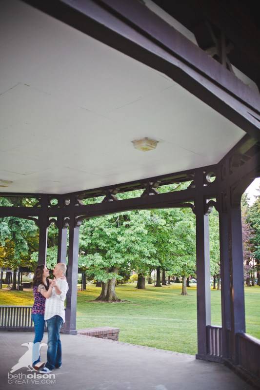Ashley-Michael-Engagement-Peninsula-Park-Portland-BethOlsonCreative-058