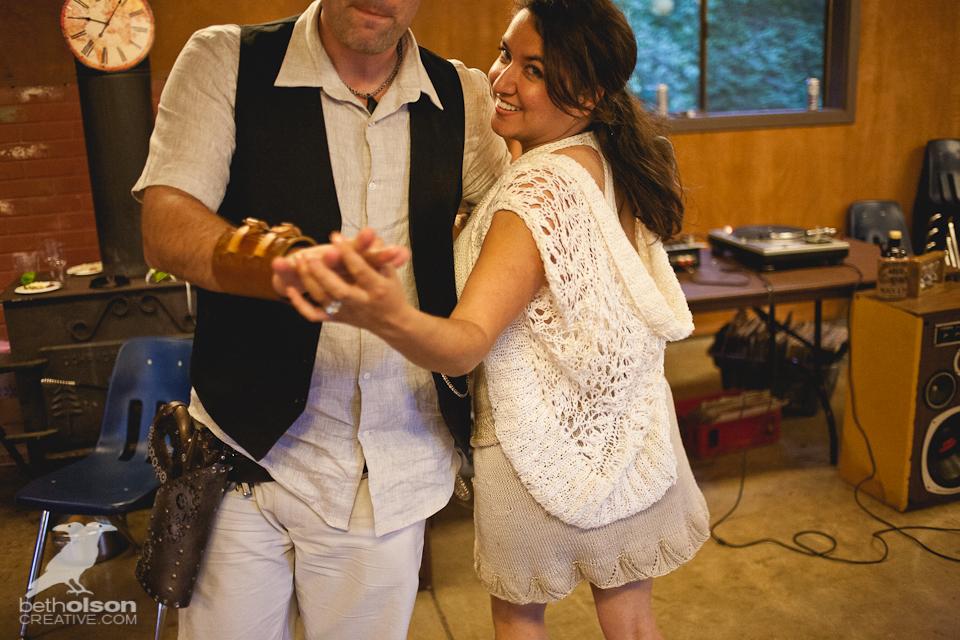 cristina-matt-steampunk-wedding-champoeg-park-betholsoncreative-080