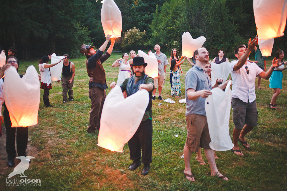 cristina-matt-steampunk-wedding-champoeg-park-betholsoncreative-122