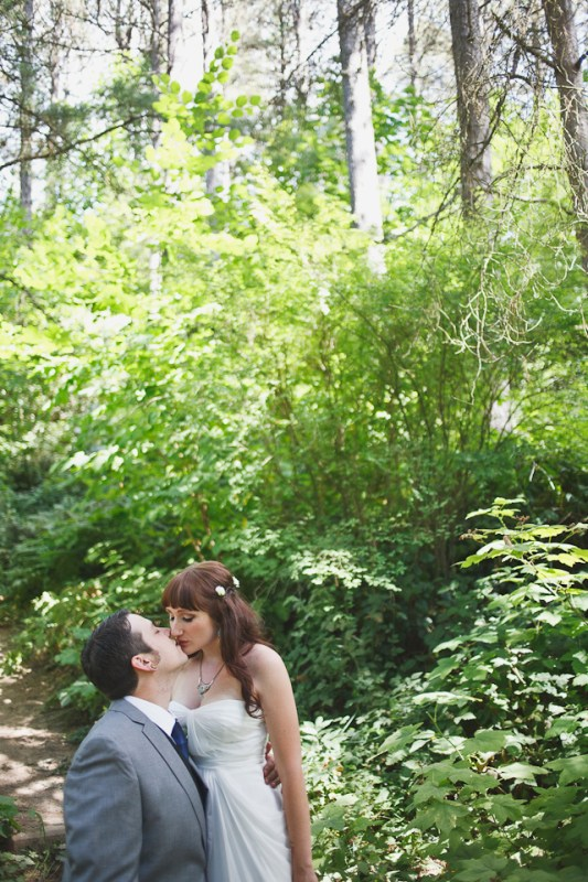 Ashley-Ian-Hoyt-Arboretum-Forest-Wedding-Portland-BethOlsonCreative-045