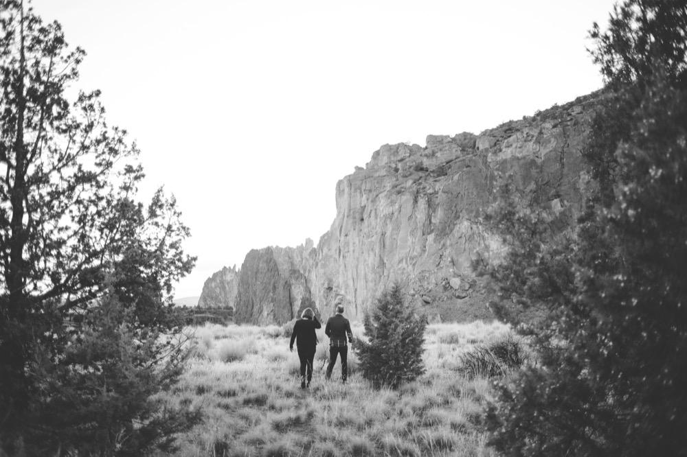 CC-Smith-Rock-Alternative-Engagement-Photography-TwistedAisleWeddings-110