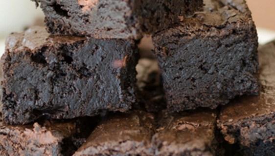 Dark Chocolate Fudge Brownies | Twisted Tastes