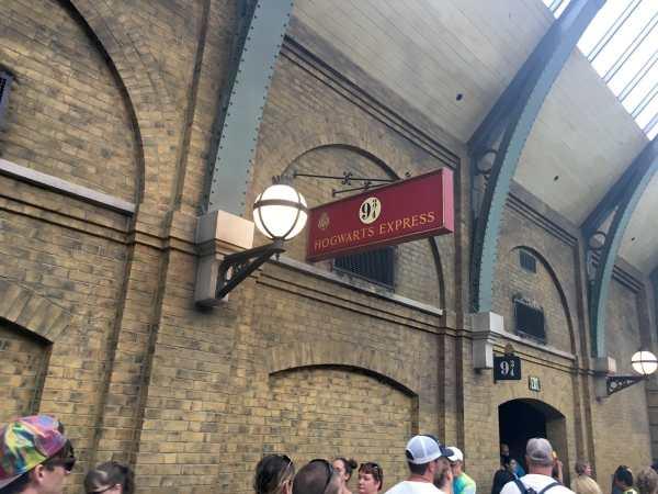 Sign for Platform 9 3/4