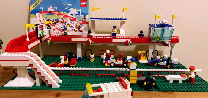 1988 LEGO 6395 Victory Lap Raceway