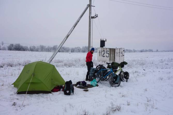tent winter cycling