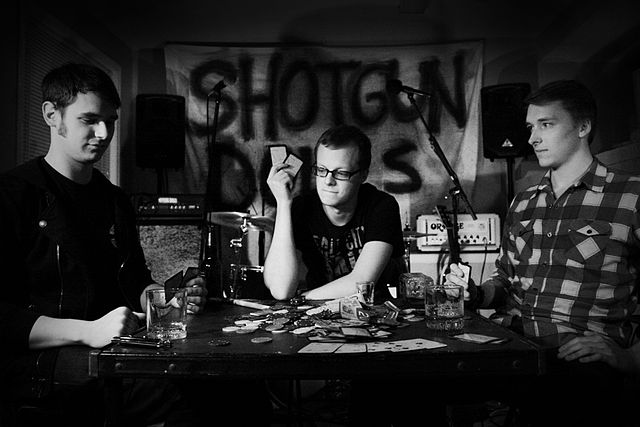 Shotgun_Dolls_Poker