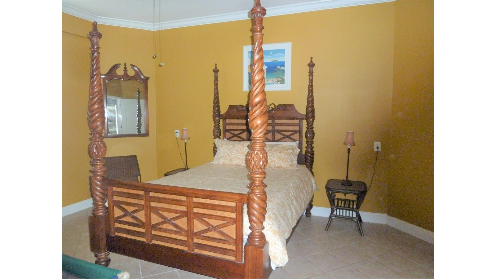 Gold Room, King Mattress, Window Air Conditioner, Huge Amoire