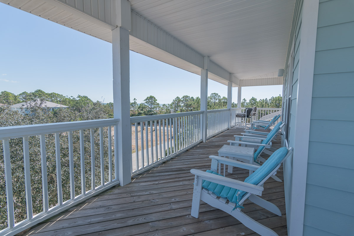 Top Floor Open Deck-Gorgeous Views of Beach