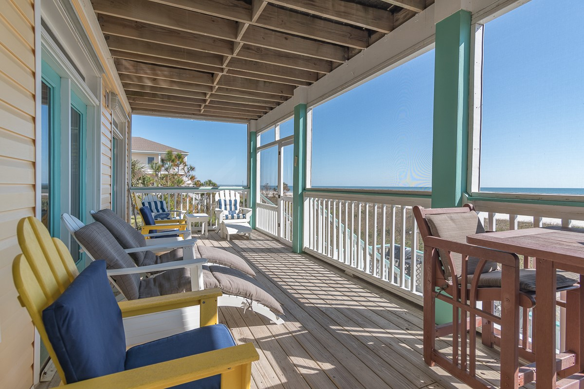 Screened in Porch Right on Beach of Gulf of Mexico
