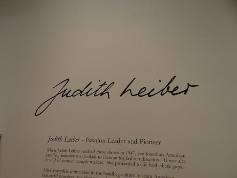 DSC01076-Judith-Leiber-wall-485x363