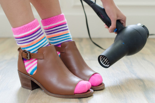 tight-shoes-blow-dry