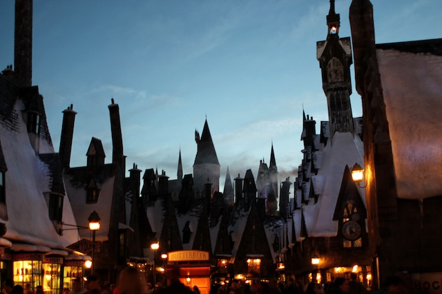 Hogsmeade at night Two Delighted