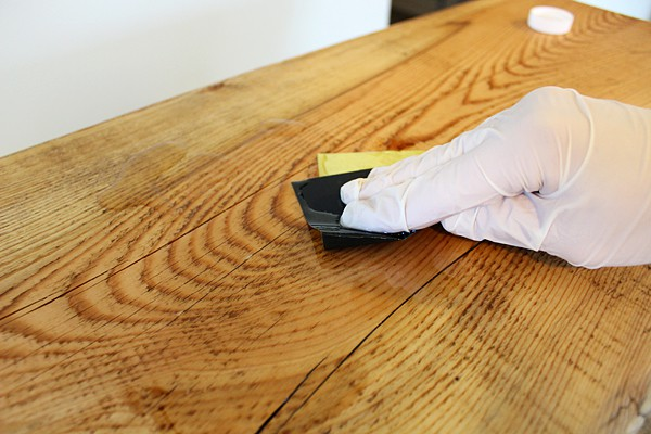 how to apply tung oil