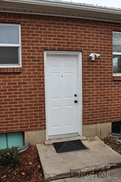 Backdoor without storm door