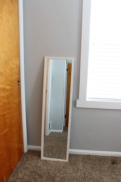 DIY cheap mirror