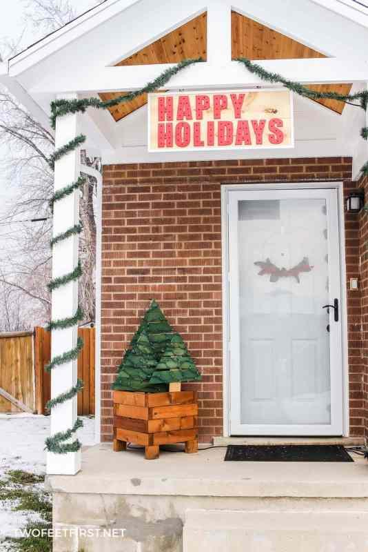 simple porch Christmas decorations