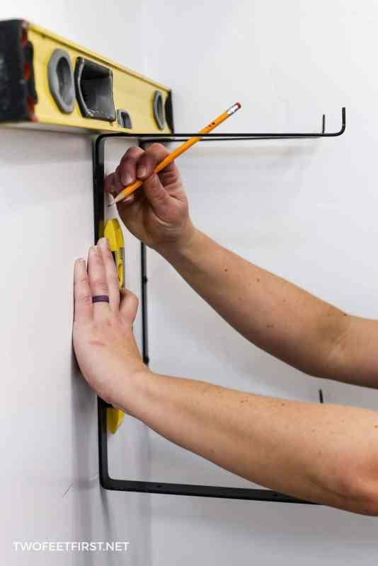 leveling brackets for shelves