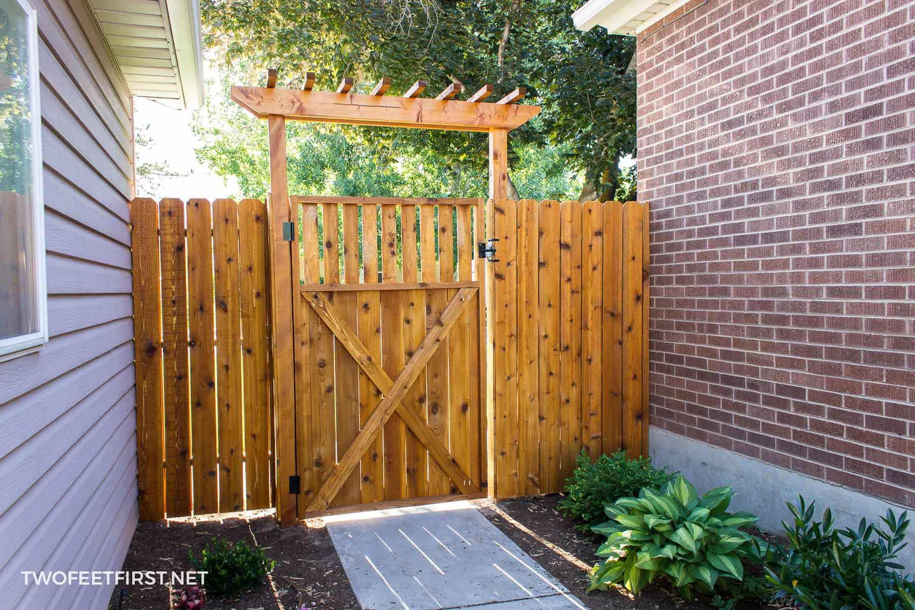 update cedar fence with stain