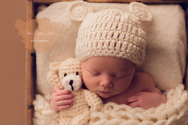 20160324-San-Luis-Obispo-Baby-Pictures-Newborn-Teddy-Bear-Knit-Hat