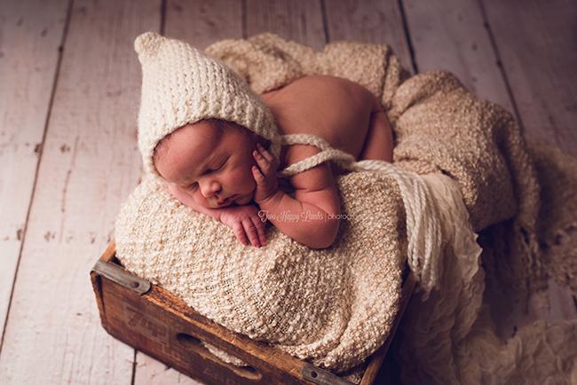 2016-01-santa-maria-newborn-photographer-infant-knit-prop-box-hands-natural-baby-california