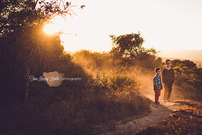 20160925-arroyo-grande-family-photography-best-family-photographer-sunset-family-photos-brothers-playing-in-dirt