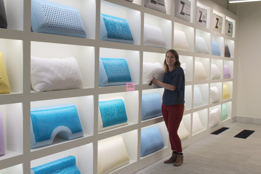 Linenspa pillow wall