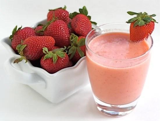 easy strawberry mango smoothie