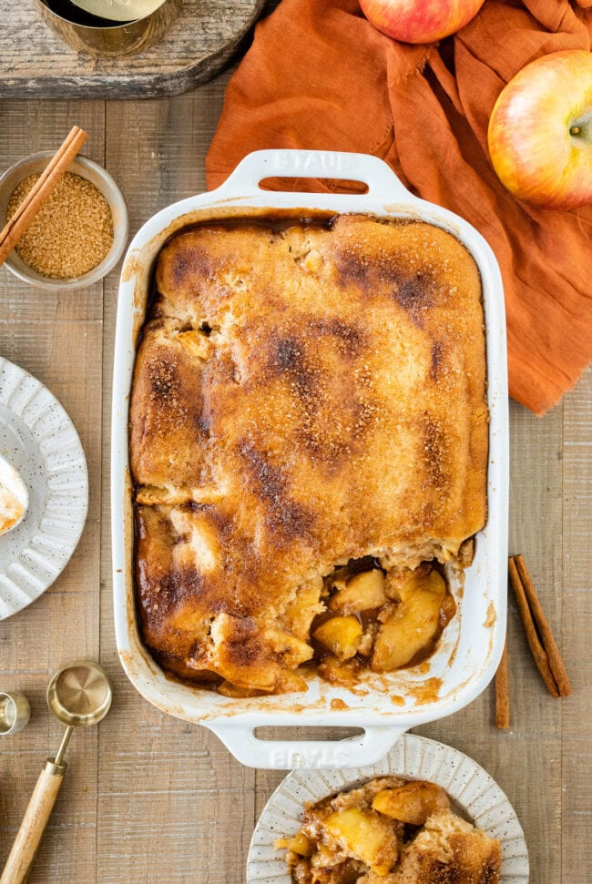 easy apple cobbler in pan