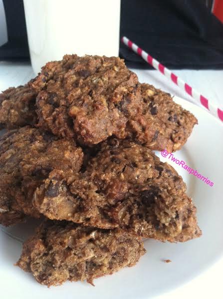 Cinnamon PB Oat Chocolate Nut Cookies