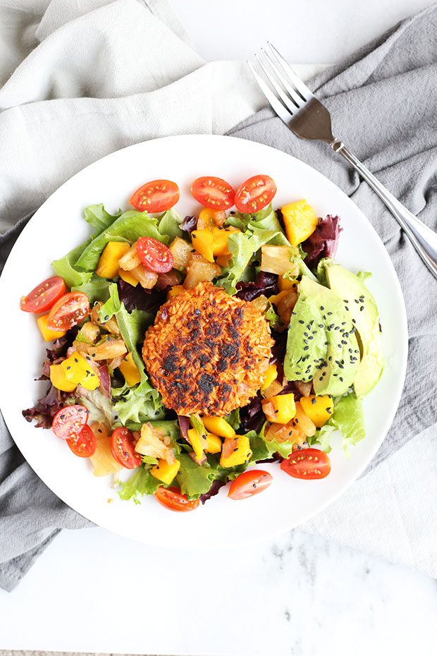 Healthy Pineapple Mango Burger Salad is so fresh, fruity and sweet! Very satisfying and filling! Lots of flavor and full of healthy all natural clean ingredients! Vegan and Gluten Free! / TwoRaspberries.com
