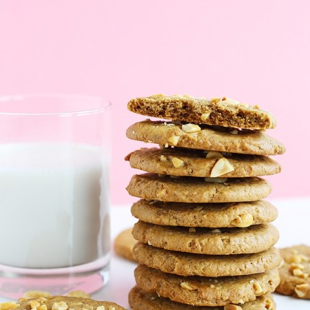 These Vegan Peanut Butter Chunk Cookies are sweet and salty, crispy on the outside and melt in your mouth! Vegan, gluten free and refined sugar free option.