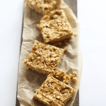 These 3 Ingredient Easy Peanut Butter Oat Bars are quick and easy to make, NO BAKING, healthy, naturally sweetened and vegan + GF! | TwoRaspberries.com