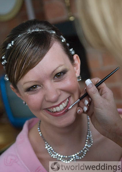natural make up for weddings with make up artist at TWorld Weddings STaffordshire