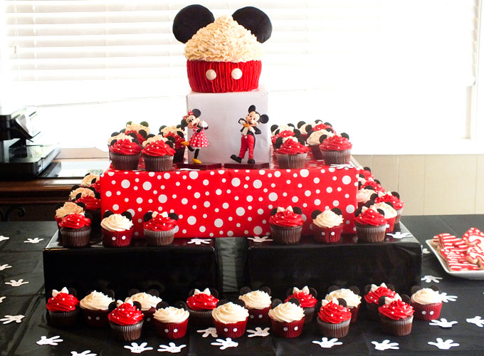 Enjoyable Mickey Minnie Mouse Cupcakes Two Sisters Funny Birthday Cards Online Alyptdamsfinfo